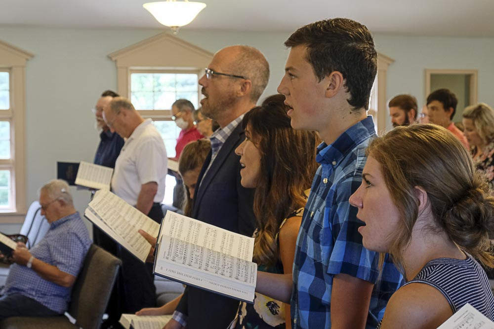 congregational singing at Heritage Baptist Church